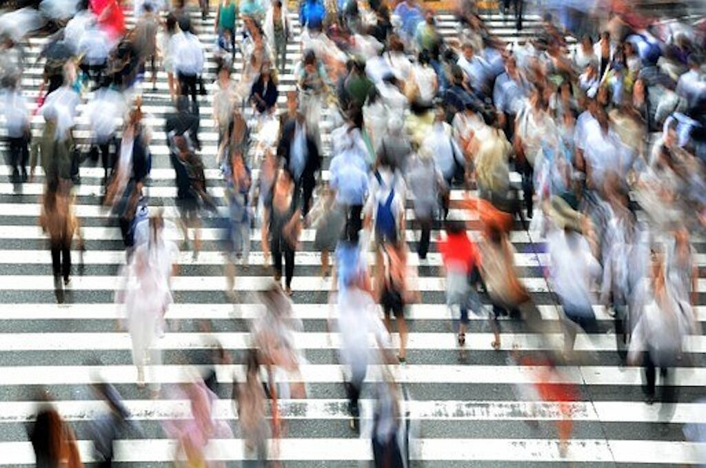 pedestrians-400811__340