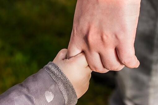 hands-1797401__340